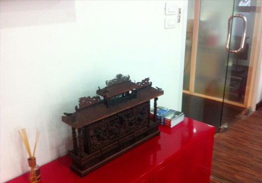 เก๋งจีน หน้าประตู office